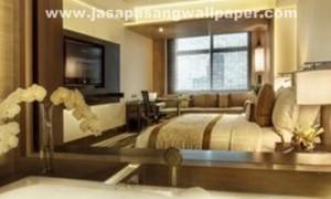Cara pasang wallpaper dinding rumah sendiri agar anggaran - Cara pasang wallpaper ...